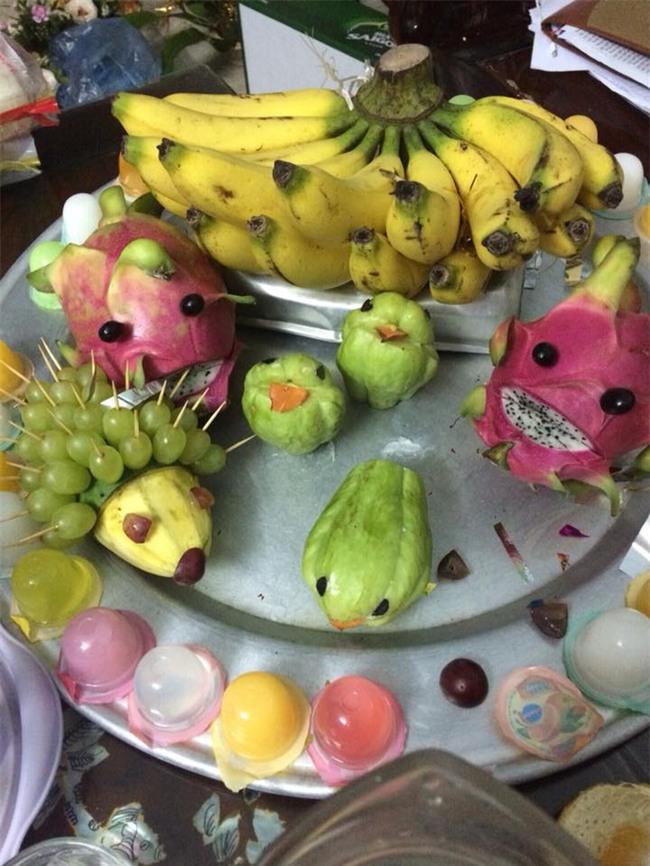 Cận kề Trung Thu, cư dân mạng thi nhau khoe mâm cỗ trái cây theo trường phái... kinh dị - Ảnh 2.