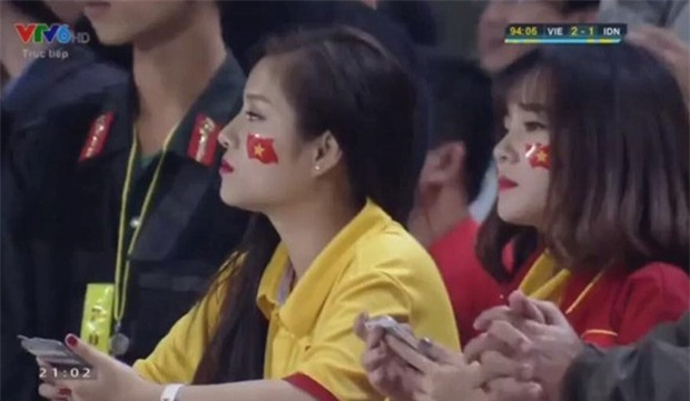 Bạn gái mới của Đặng Văn Lâm từng được dân mạng săn tìm sau một trận đấu - Ảnh 1.