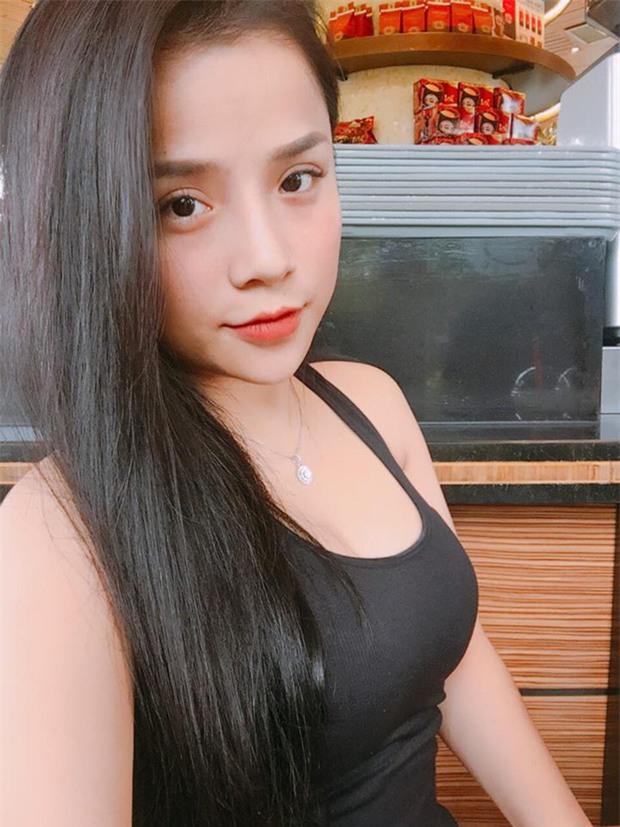 Bạn gái mới của Đặng Văn Lâm từng được dân mạng săn tìm sau một trận đấu - Ảnh 7.