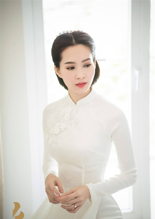 Hé lộ thiệp cưới giản dị của cặp đôi Hoa hậu Đặng Thu Thảo và doanh nhân Trung Tín - Ảnh 6.