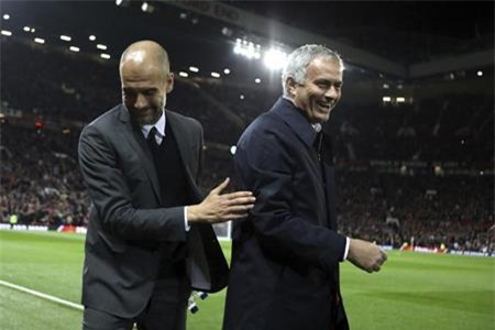 Jose Mourinho và Pep Guardiola cũng tích cực tham gia từ thiện