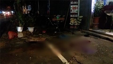 Hà Nội: Người đàn ông bị đâm trọng thương giữa phố khi đang đưa vợ con đi chơi Trung Thu  - Ảnh 2.