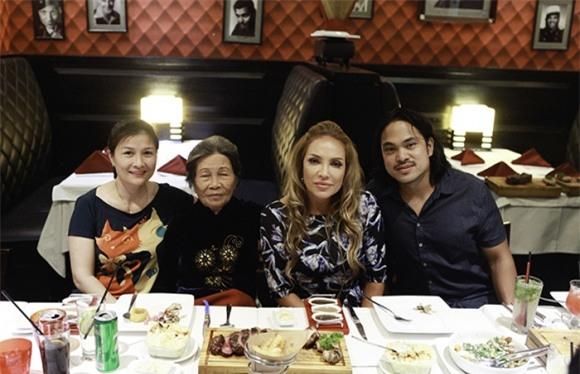 Sau cuộc gặp gỡ định mệnh nhạt và vô nghĩa trên sóng truyền hình, Thanh Hà và mẹ ruột đã đi ăn cùng nhau - Ảnh 2.