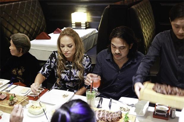 Sau cuộc gặp gỡ định mệnh nhạt và vô nghĩa trên sóng truyền hình, Thanh Hà và mẹ ruột đã đi ăn cùng nhau - Ảnh 3.