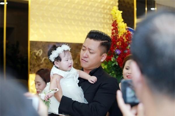 Tuấn Hưng nhận quà sinh nhật của vợ đơn giản nhưng lòng nao nao-6