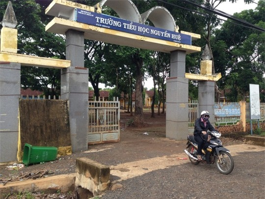 Một bảo vệ trường tiểu học nhiều lần hiếp dâm, dâm ô 6 học sinh