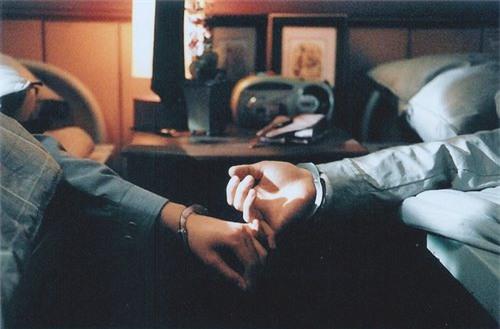 Yêu và hi sinh tất cả cho mối tình 4 năm, anh chàng lại nhận trái đắng vì một chữ Danh - Ảnh 4.