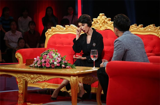 Ai là nam ca sĩ nổi tiếng showbiz Việt từng yêu Xuân Lan suốt 7 năm nhưng chỉ nắm tay 2 lần?-1