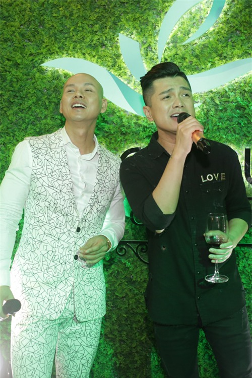 Ai là nam ca sĩ nổi tiếng showbiz Việt từng yêu Xuân Lan suốt 7 năm nhưng chỉ nắm tay 2 lần?-9