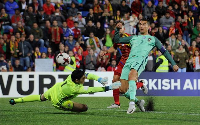 Ronaldo toa sang, Bo Dao Nha tien sat ve du World Cup 2018 hinh anh 5