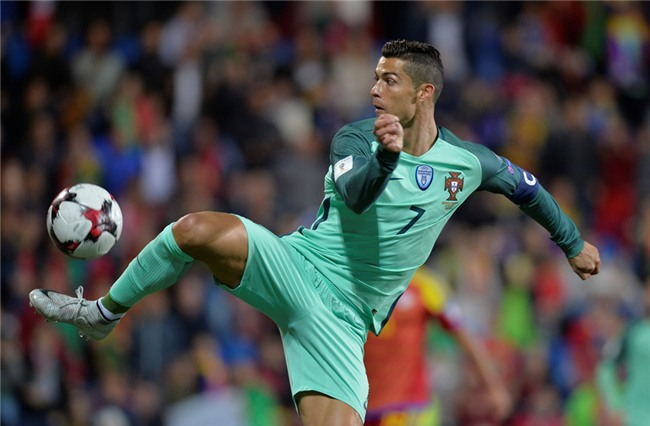 Ronaldo toa sang, Bo Dao Nha tien sat ve du World Cup 2018 hinh anh 9