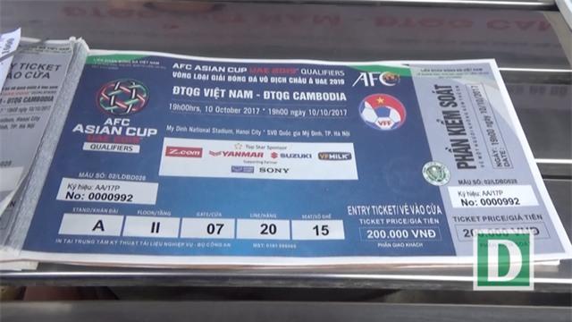 Gía vé xem trận đấu giữa Việt Nam - Campuchia chỉ từ 100 nghìn đến 200 nghìn một vé.