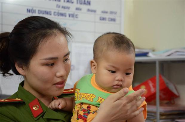 Người chồng sốc nặng khi vợ đem con trai 7 tháng tuổi đến nhà nghỉ rồi bỏ đi - Ảnh 1.