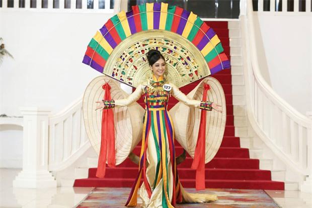 Cô gái vượt mặt Hoàng Thùy, giành chiến thắng trong tập 2 Tôi là Hoa hậu Hoàn vũ VN là ai? - Ảnh 3.