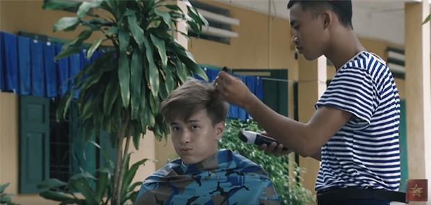 Muôn vàn biểu cảm hỉ, nộ, ái, ố của dàn mỹ nam khi bị cắt tóc trong Sao nhập ngũ - Ảnh 10.