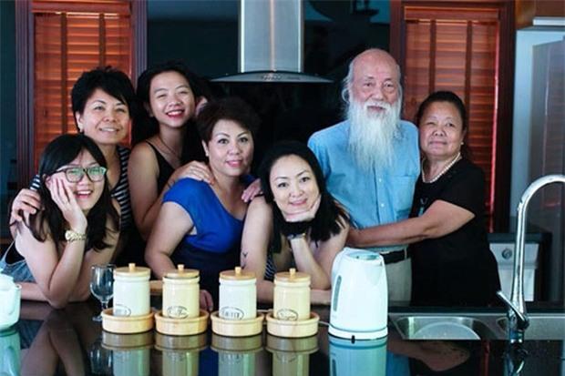 Người thân thầy Văn Như Cương xúc động: Ông minh mẫn tới phút cuối, chờ cả cháu gái từ Úc về rồi mới thanh thản ra đi - Ảnh 1.