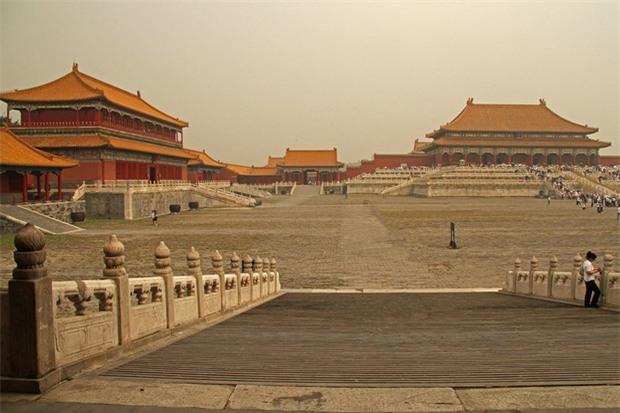 Câu chuyện cảm động của vị hoàng đế kỳ lạ nhất Trung Hoa: Đế vương một vợ, hậu cung không tỳ thiếp - Ảnh 4.