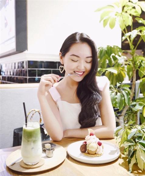 Cuộc sống sang chảnh của Chloe Nguyễn, nàng beauty blogger xinh xắn như búp bê - Ảnh 2.