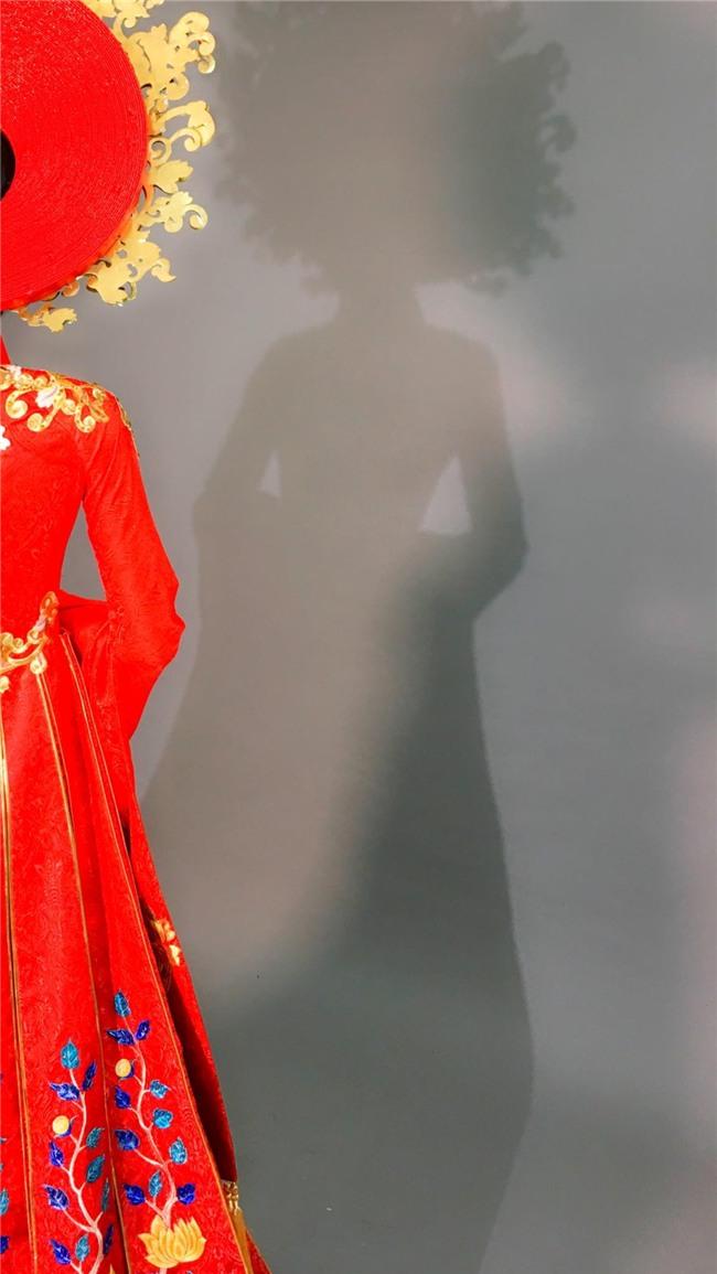 Cận cảnh quốc phục nặng tới 30kg của Huyền My tại Miss Grand International 2017-1