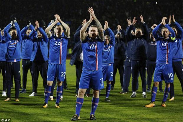 Iceland lập kỳ tích, trở thành quốc gia nhỏ nhất từng dự World Cup - Ảnh 2.