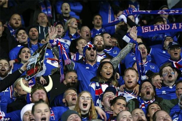 Iceland lập kỳ tích, trở thành quốc gia nhỏ nhất từng dự World Cup - Ảnh 3.
