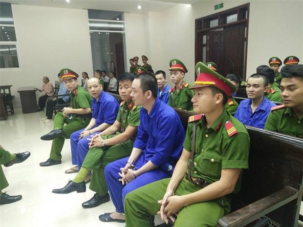 Hoãn phiên tòa xét xử phúc thẩm tử tù trốn trại Nguyễn Văn Tình - Ảnh 2.
