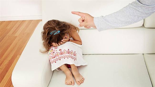 Bác sĩ tâm lý chỉ ra 8 việc bố mẹ cần làm để hạn chế quát mắng con - Ảnh 3.