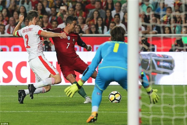 Bồ Đào Nha thắng trận, Ronaldo chính thức góp mặt ở World Cup 2018 - Ảnh 3.