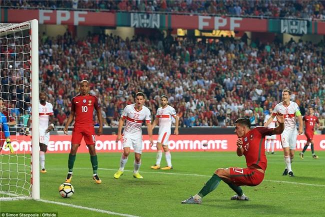 Bồ Đào Nha thắng trận, Ronaldo chính thức góp mặt ở World Cup 2018 - Ảnh 8.