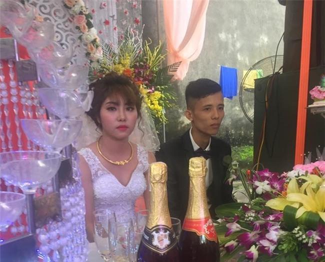 Cô dâu mặt sắp khóc khi bạn thân chú rể hát Anh đã làm sai điều gì, mà em ra đi không một lời từ ly? trong đám cưới - Ảnh 5.
