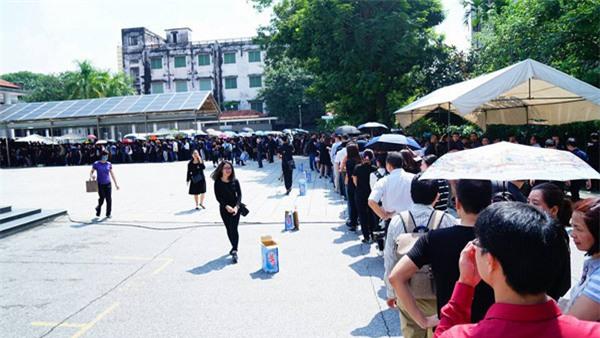 hoc sinh luong the vinh xep hang dai don linh cuu thay van nhu cuong ve truong - 13