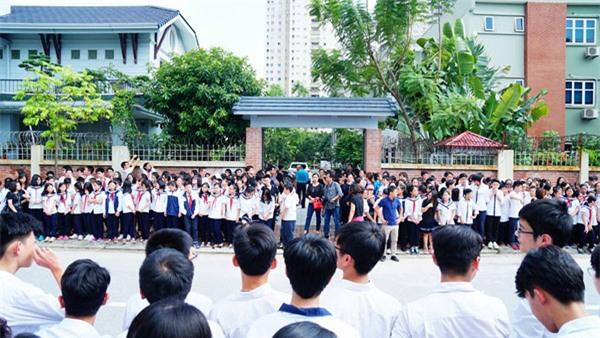 hoc sinh luong the vinh xep hang dai don linh cuu thay van nhu cuong ve truong - 3
