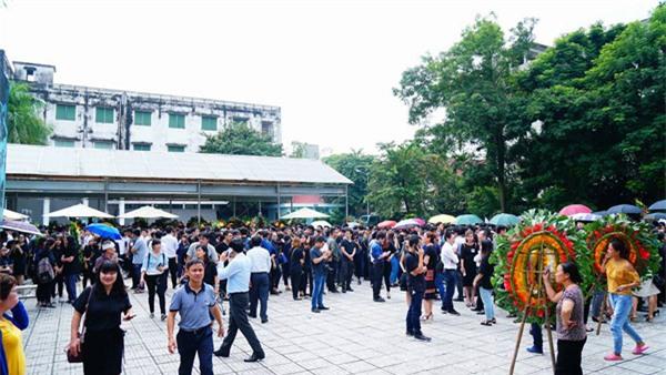 hoc sinh luong the vinh xep hang dai don linh cuu thay van nhu cuong ve truong - 33
