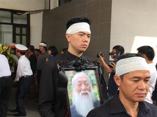 hoc sinh luong the vinh xep hang dai don linh cuu thay van nhu cuong ve truong - 35