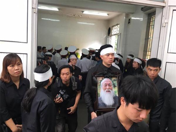 hoc sinh luong the vinh xep hang dai don linh cuu thay van nhu cuong ve truong - 36