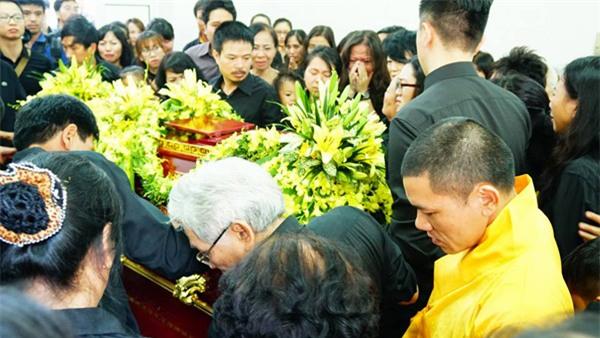 hoc sinh luong the vinh xep hang dai don linh cuu thay van nhu cuong ve truong - 47