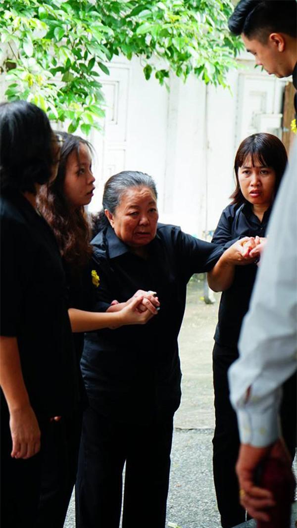 hoc sinh luong the vinh xep hang dai don linh cuu thay van nhu cuong ve truong - 48