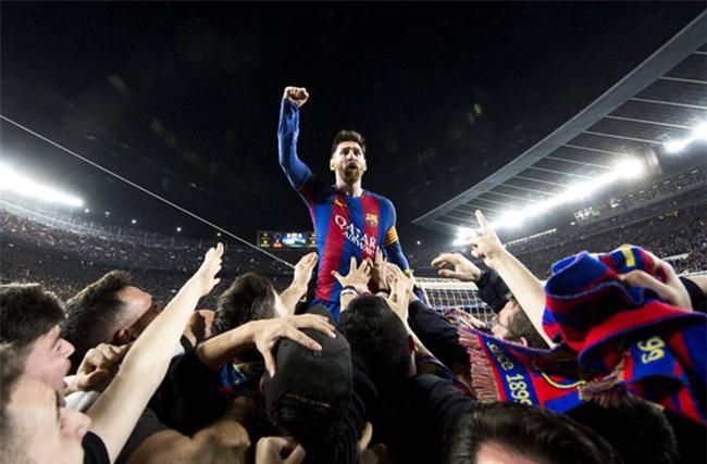 Barca ban ten san Camp Nou de tra phi lot tay ky luc cho Messi hinh anh 1