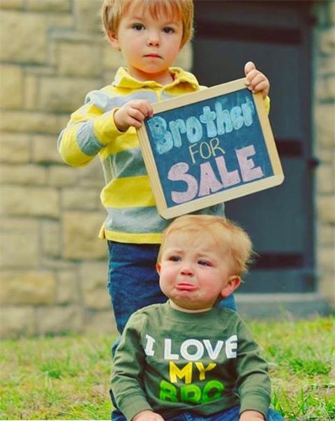 """""""Ai mua hộ em trai của tôi đi!"""""""