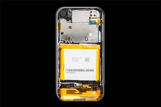 Nội thất bên trong iPhone đã thay đổi như thế nào suốt 10 năm qua? - Ảnh 1.
