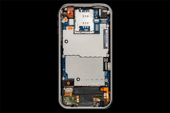 Nội thất bên trong iPhone đã thay đổi như thế nào suốt 10 năm qua? - Ảnh 3.