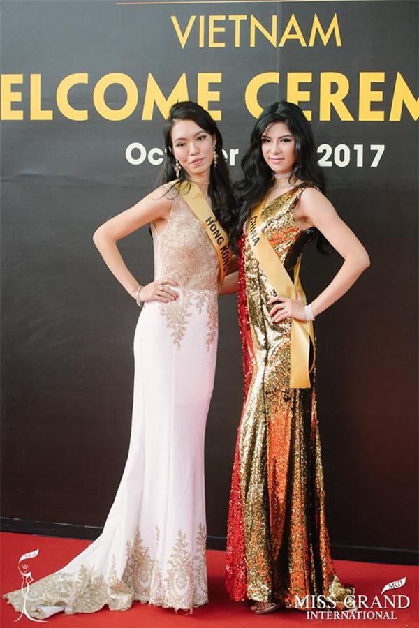 GIẬT MÌNH: Xuất hiện Lan Khuê phiên bản lỗi tại Miss Grand International 2017-10
