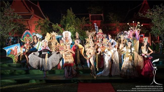 Top 10 trang phục truyền thống đẹp nhất tại đêm trình diễn Quốc phục Miss Grand International 2017-1