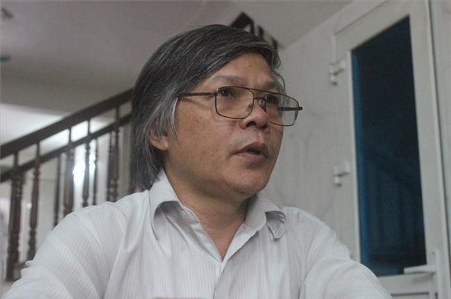 """Sau khi làm nên cơn """"chấn động"""" trong giáo dục, cuộc sống gia đình  của thầy Đỗ Việt Khoa đảo lộn."""