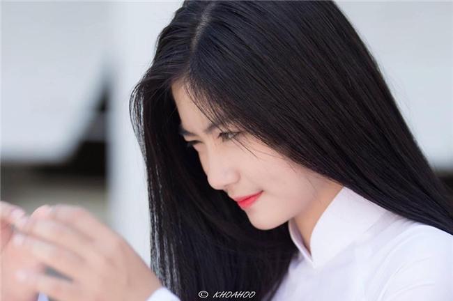 Hot girl áo dài tự tin khoe giọng hát ngọt như mía lùi khi cover hit Duyên phận-6