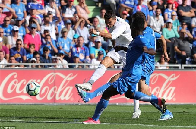 Ronaldo giải cơn khát bàn thắng, mang về 3 điểm cho Real - Ảnh 7.