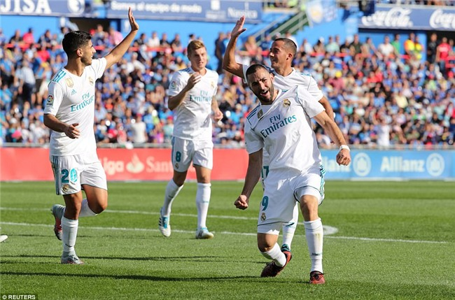 Ronaldo giải cơn khát bàn thắng, mang về 3 điểm cho Real - Ảnh 10.