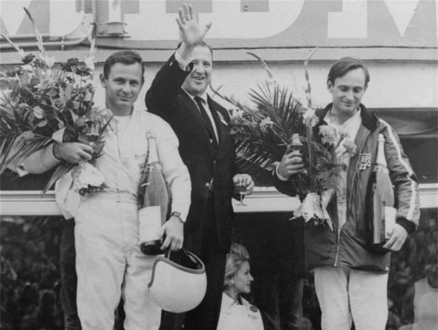 Ford tiếp tục giành chiến thắng trong 4 năm liên tiếp, từ 1966 – 1969.