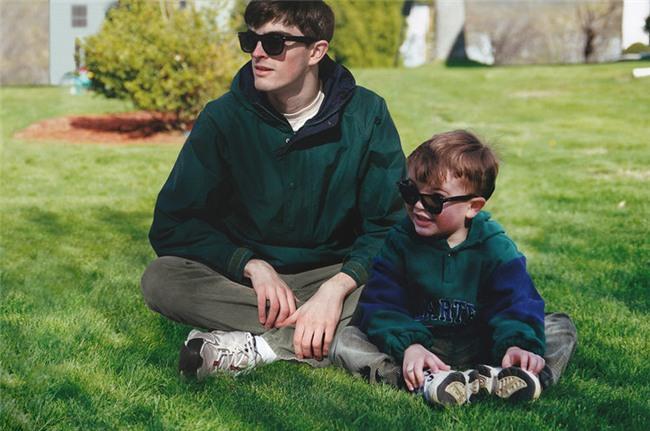 Dùng Photoshop ghép ảnh hiện tại vào ảnh lúc bé, chính anh chàng nhân vật chính cũng cảm thấy bất ngờ vì kết quả - Ảnh 7.