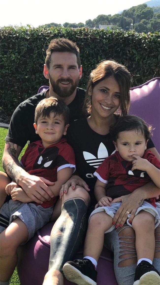 Vo chong Messi loan tin sap co con thu 3 hinh anh 2